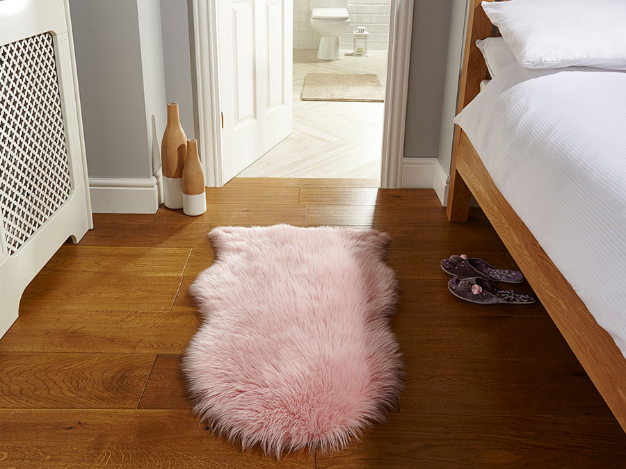 Faux-Fur-Sheepskin-Pink