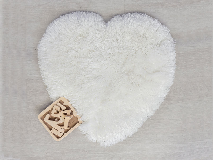 Sumptuous Hearts Ivory Flair Rugs